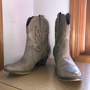 Very Volatile Los Angeles Cowgirl Cowboy Boots